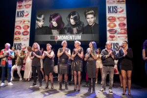 <strong><u><em>KIS-collectie Momentum </em></u>geïntroduceerd in theater</strong>
